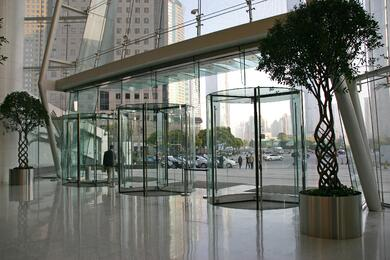 Crystal TQ all-glass revolving doors